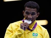 מתאגרף ברזילאי זוכה במדליה באולימפיאדת לונדון 2012 / צלם: רויטרס