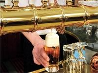 בירה של אנהייזר - בוש / צילום: בלומברג