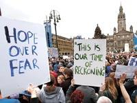 מפגינים סקוטים / צילום: רויטרס