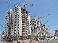 בנייה חדשה בשכונת 1200 בהוד השרון / צילום: תמר מצפי