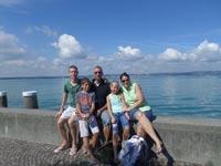 רפי ולנסי ומשפחתון / צילום פרטי