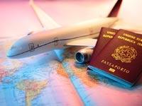 טיסה- חופשה- דרכונים / צילום: שאטרסטוק