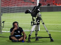 מצלמת טלוויזיה במשחק ליגת העל בכדורגל / צלם: שלומי יוסף