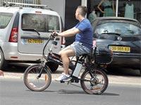 אופניים חשמליים / צילום: תמר מצפי