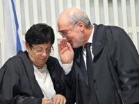 הנשיאה מרים נאור ואשר גרוניס / צילום: אלכס קולומויסקי
