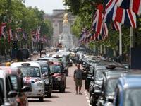 הפגנת נהגי מוניות בריטיים נגד כניסת אובר בקיץ האחרון בלונדון / צילום: רויטרס