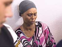 אמו של השבוי אברה מנגיסטו/ צילום: רויטרס