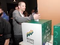 עובדים באלטשולר שחם בוחרים את אפיק ההתנדבות המועדף / צילום: אליעד לוי