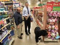 ברק ובו אובמה בקניות של עונת החגים / צילום: רויטרס