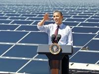 ברק אובמה בחוות אנרגיה סולארית בנבדה / צילום: רויטרס