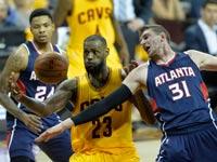 לברון ג'יימס, קליבלנד קאבלירס מול אטלנטה בפלייאוף 2015 ב-NBA / צלם: רויטרס