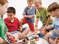 ילדים וצעצועים / צילום: יונתן בלום, באדיבות קבוצת pmi, Shutterstock | א.ס.א.פ קריאייטיב