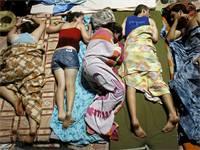 צעירים ישראלים בשדרות רוטשילד, במחאה החברתית נגד יוקר המחיה ב-2011 (צילום: רויטרס)