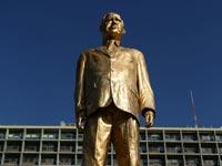 פסל של בנימין נתניהו/ צילום: דרור סיתהכל