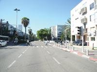 רחוב ארלוזורוב בתל אביב / צילום: איל יצהר