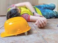 פועל שנפגע בתאונה/ צילום אילוסטרציה : א.ס.א.פ קרייטיב /Shutterstock
