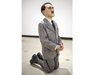 פסל אדולף היטלר / צילום: כריסטי'ס