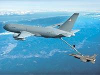 מטוס התדלוק 46–KC בפעולה / צילום: בואינג
