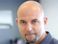"""נועם יוספידיס, המנכ""""ל והיו""""ר / צילום: מצגת החברה"""