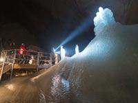 מערת הקרח הטבעית the eisriesenwelt cave / צילום: אור קפלן