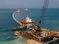 הנחת הקוו התת ימי במתקן התפלה אשדוד / צילום: אלבטרוס