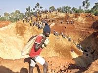 מכרה זהב באפריקה / צילום: רויטרס