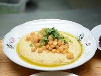מסעדה חומוס חומוסייה / צילום: איל יצהר