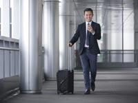 מה נדרש מחברה על-מנת להעסיק בארץ עובד מומחה זר?