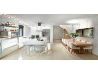 דגם לבן עם אי. אדריכלית: דורית וינברן. צילום: אלעד גונן.