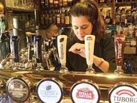 ברזי בירה מכל העולם/ צילום: איל יצהר