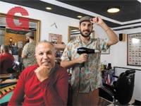 אבירם כהן ואריק מהקיוסק   / צילום: איל יצהר