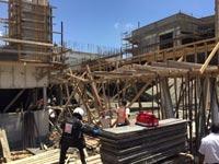"""תאונת הבנייה בגני תקוה / צילום:  צחי רוזנהפט תיעוד מבצעי מד""""א"""
