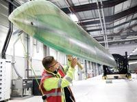 להב של טורבינת רוח במפעל של סימנס / צילומים: בלומברג