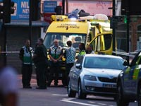 כוחות הצלה באזור פיגוע הדריסה ליד המסגד בלונדון / צילום: רויטרס