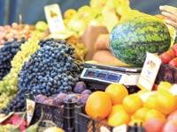 שקילת פירות / צילום:  Shutterstock