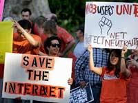 הפגנה בעד נייטרליות הרשת  / צילום: רויטרס, Jonathan Alcorn