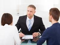 בדרך לתביעה עוצרים לגישור: האם הליך הגירושים הופך נוח יותר?