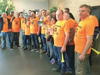 """מחאת עובדי כלל ביטוח היום במשרדי החברה / צילום: יח""""צ הסתדרות"""