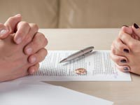 נכסי קריירה. כושר ההשתכרות עלה בעקבות תמיכת בן הזוג /  צילום:Shutterstock/ א.ס.א.פ קרייטיב