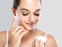 טיפוח העור על-פי גיל - איך לשמור על מראה צעיר?