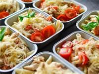 אוכל במשלוחים / צילום: Shutterstock