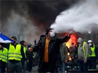 הפגנות מחאה בצרפת על העלאת המס על הדלק / רויטרס