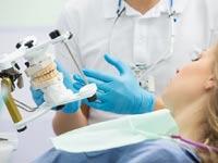 שחיקת שיניים. לעיתים מדובר בפעולה לא רצונית הניתנת לאבחון/ צילום:Shutterstock/ א.ס.א.פ קרייטיב