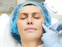 לשפר את המראה: טיפולים אסתטיים בשלבי החיים השונים