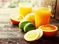 מיצים סחוטים. מכילים ויטמינים, אך גם כמות גדולה של סוכר / צילום:Shutterstock :א.ס.א.פ קרייטיב