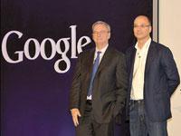 """אנדי רובין עם מנכ""""ל גוגל לשעבר אריק שמידט  / צילום: Acrofan.com"""