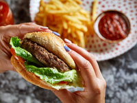 המבורגר קום איל פו/ צילום: אפיק גבאי