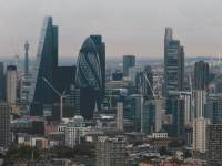 האזור הפיננסי של לונדון. העתיד של אחד המרכזים הפיננסיים הגדולים בעולם לוט בערפל  צילום: רויטרס, Hann