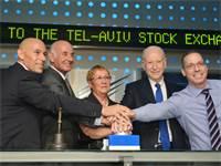 אירוע הפתיחה של אופקו בבורסה. מימין לשמאל: שי נוביק, אברי הברון, פיליפ פרוסט, יעקב פרי ואסתר לבנון /