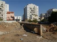 שכונת כפר שלם תל אביב, בתים חדשים בניינים חדשים / איל יצהר